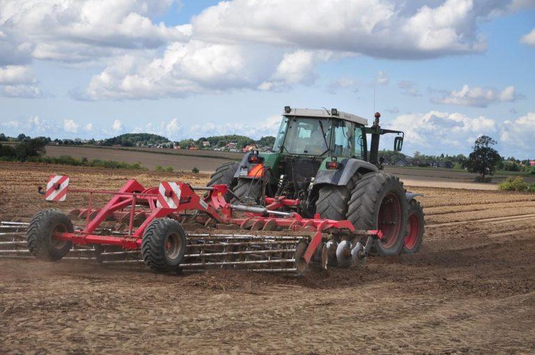 Współczesne rolnictwo polega na sprawnych maszynach